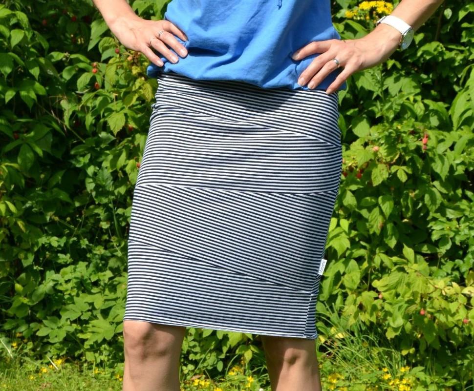 005 Pruhovaná sukně_o