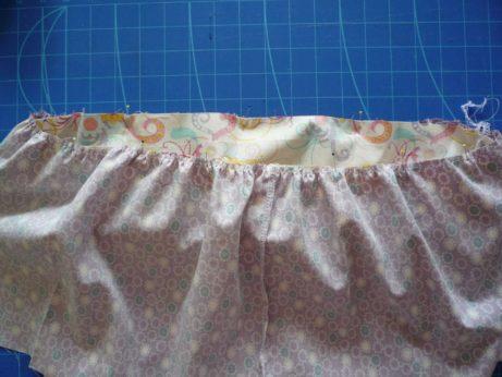 012 Volánkové šaty