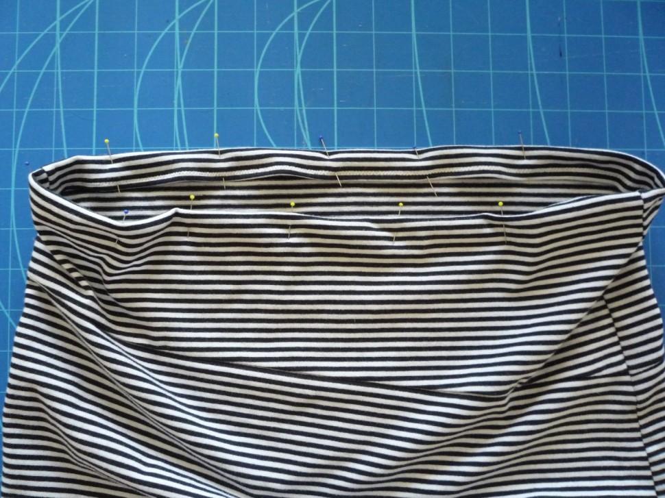 026 Pruhovaná sukně návod